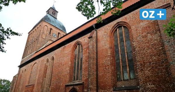 Risse im Ribnitzer Wahrzeichen: Kirchturm muss saniert werden