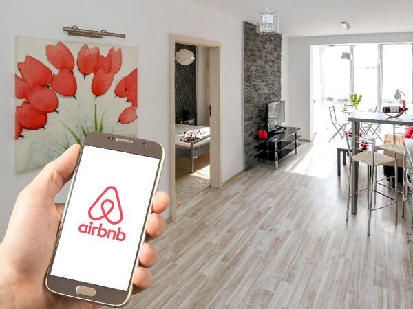 Via Airbnb kun je accommodaties huren en verhuren (Beeld via pxfuel, DMCA)