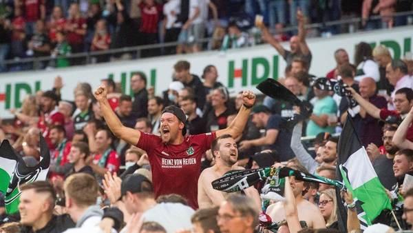 Es wird voll gegen Schalke: 96 knackt 30.000er-Grenze - Bändchen für Zuschauer