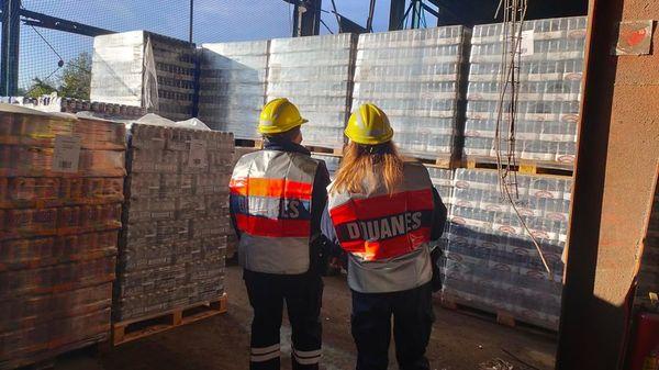 La bière de contrebande recyclée à Dunkerque - Smokkelbier gerecycleerd in Duinkerke