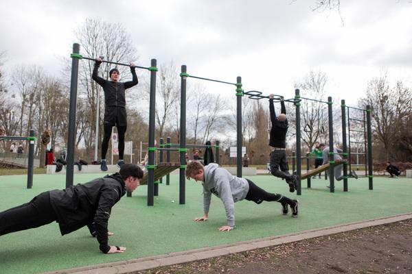 Auch auf dem Fitnessparcours können sich Teilnehmer bewähren. (Foto: Katrin Kutter)