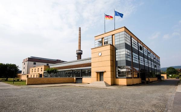 Die vom Bauhaus-Architekten Walter Gropius entworfenen Fagus-Werke in Alfeld zählen zum Unesco-Welterbe. (Foto: Julian Stratenschulte/dpa)