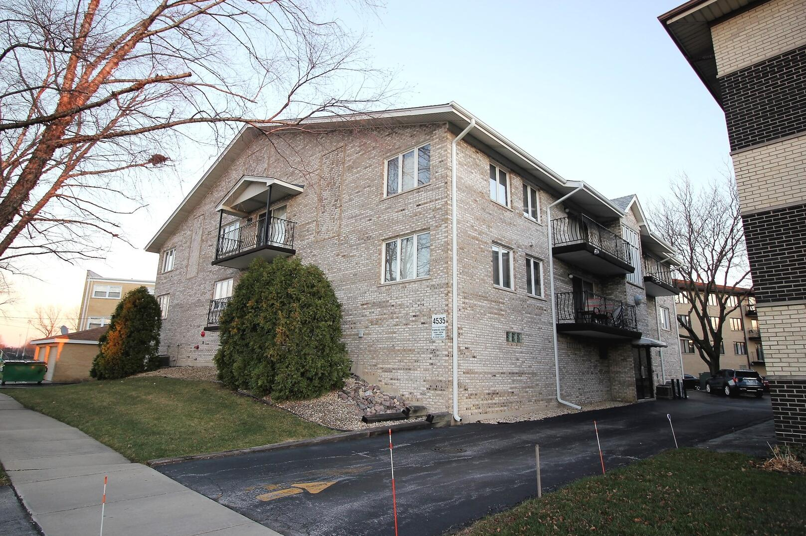 Photo of 4535 Rumsey Oak Lawn IL 60453