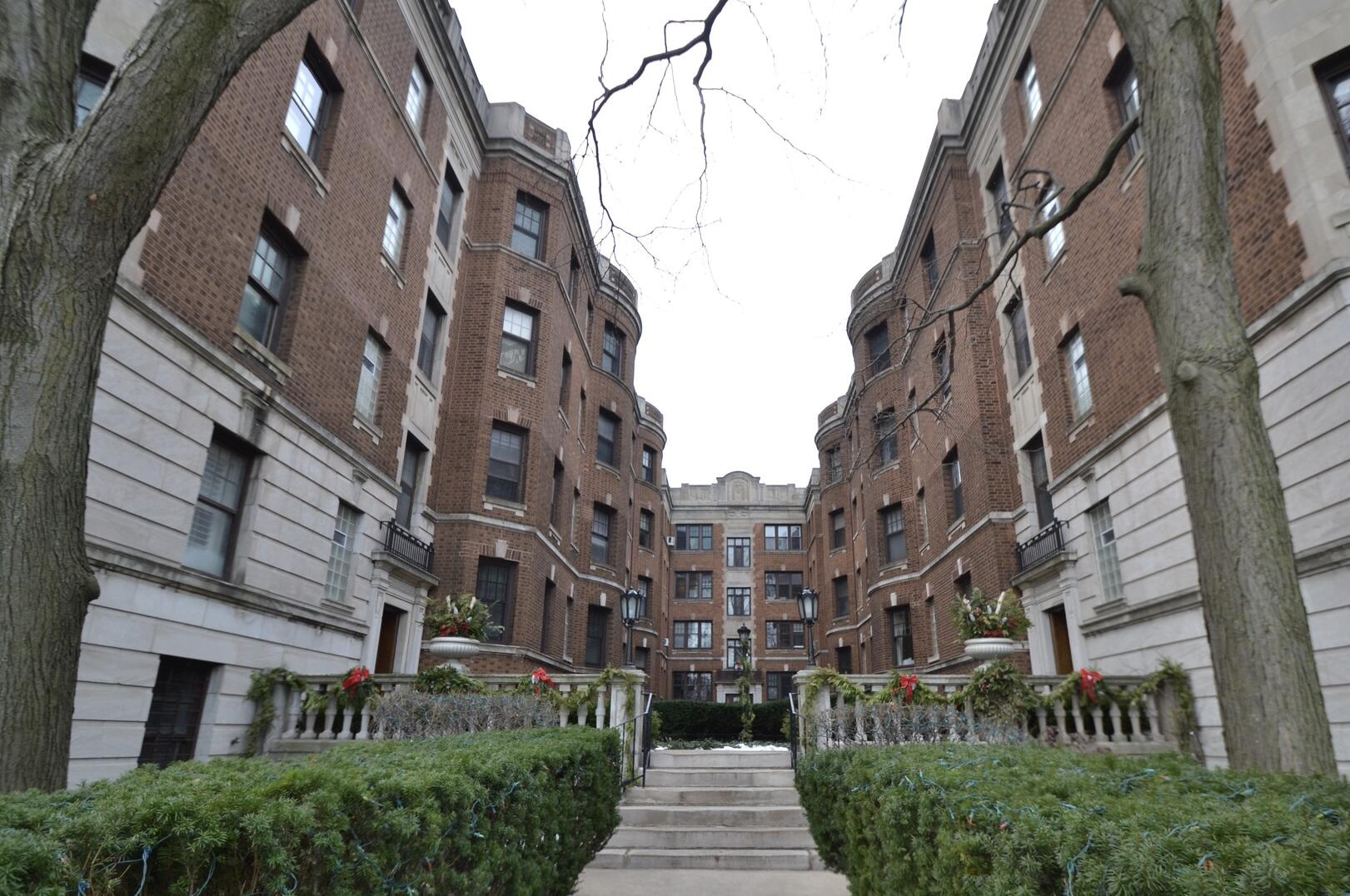 Photo of 2326 Lincoln Park West Chicago IL 60614