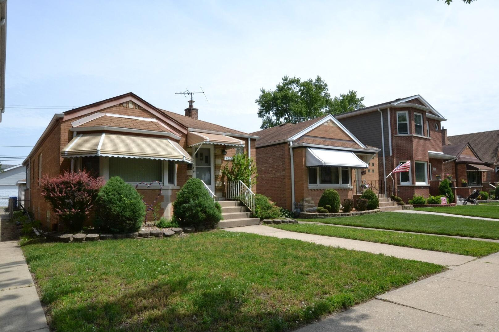 Photo of 10719 Sawyer Chicago IL 60655