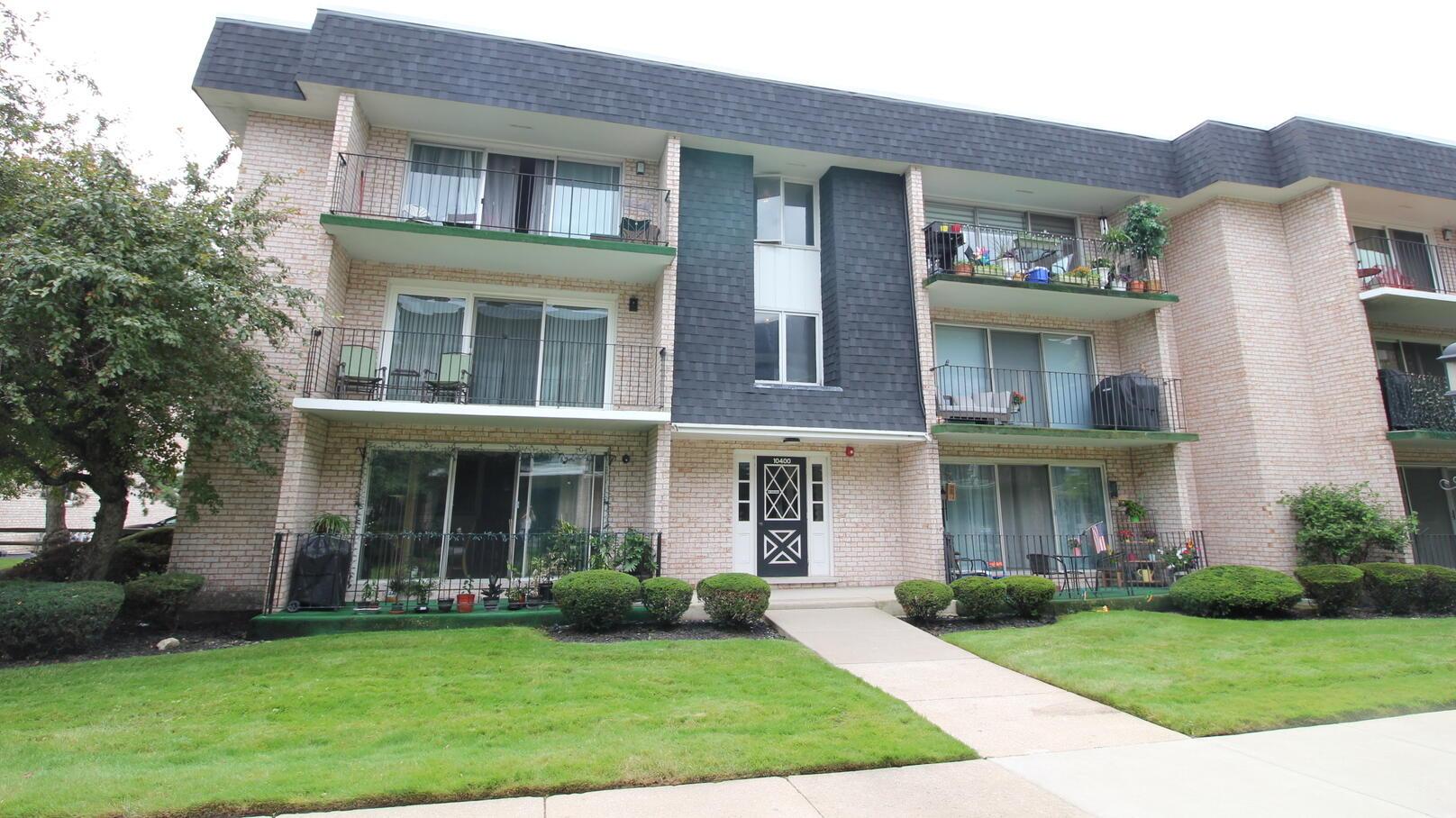 Photo of 10400 Parkside Oak Lawn IL 60453