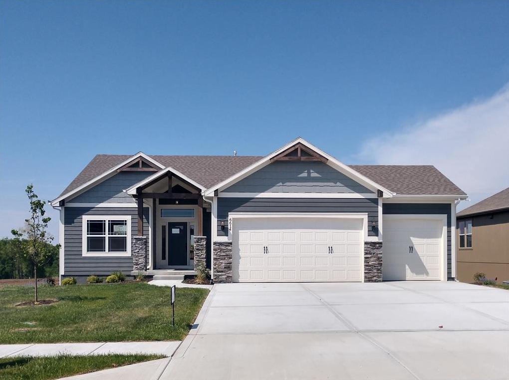 Photo of 6614 NW 104 Terrace Kansas City MO 64154