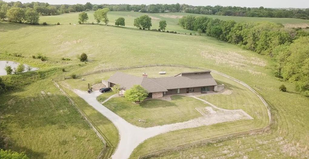 Photo of 12500 NW Crooked Road Parkville MO 64152