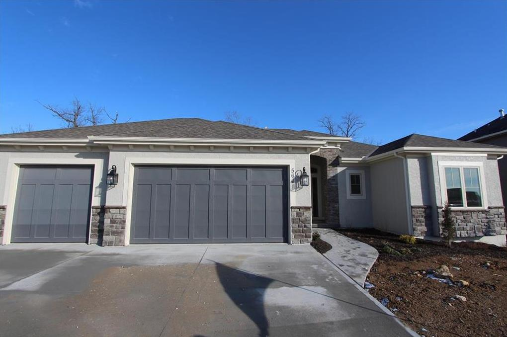 Photo of 5661 Thousand Oaks Drive Parkville MO 64152