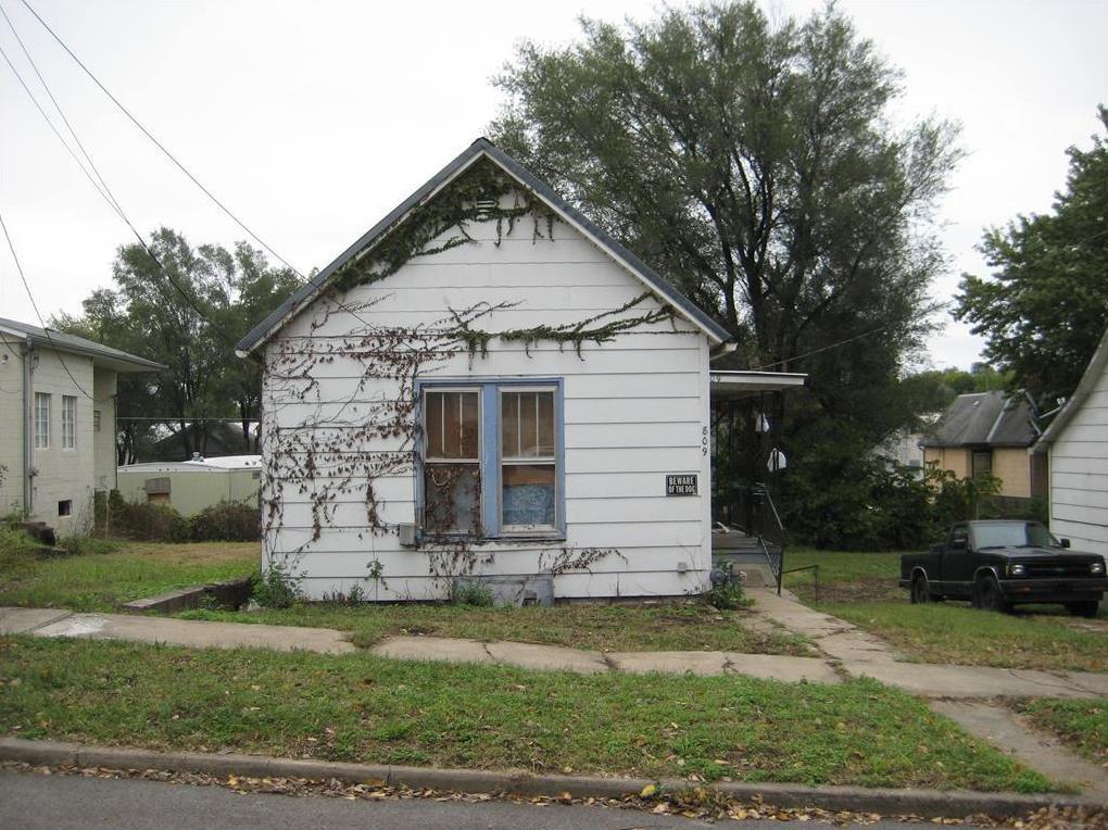 Photo of 809 S 20 Street St Joseph MO 64507