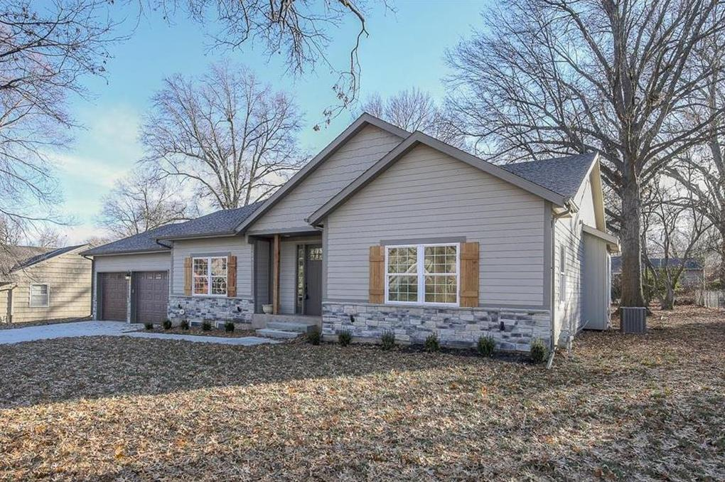 Photo of 2911 W 92nd Place Leawood KS 66206