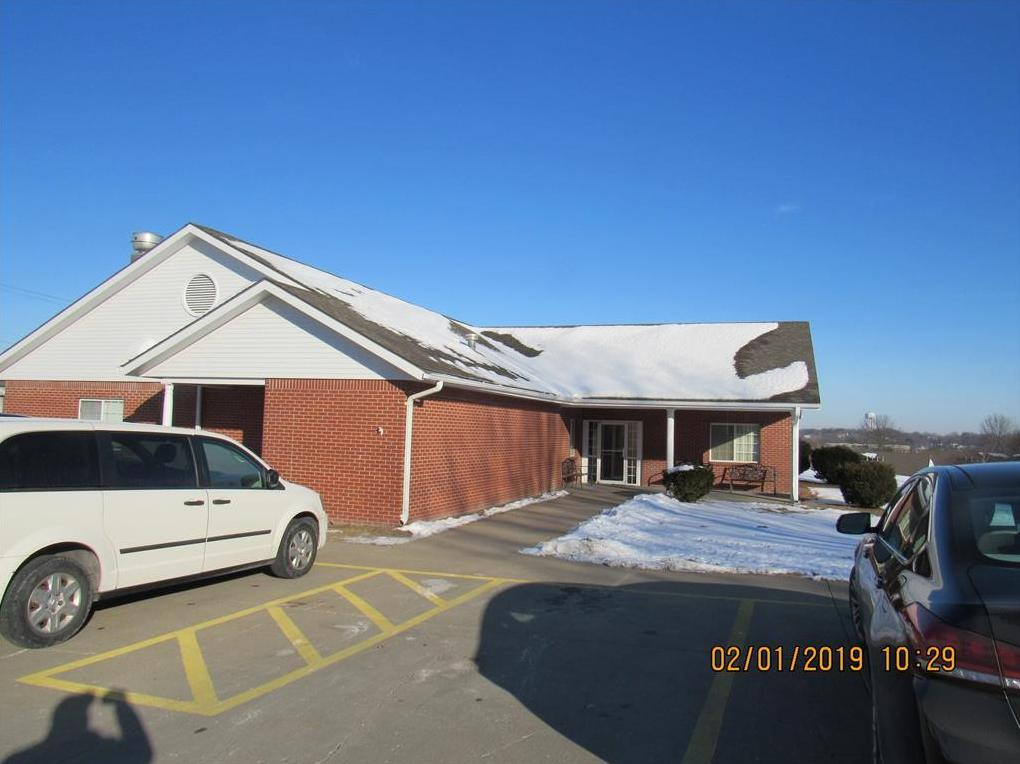 Photo of 2102 Village Drive St Joseph MO 64506