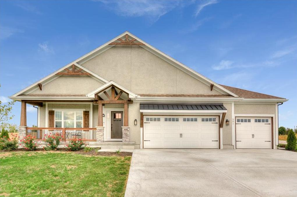 Photo of 301 SW Chelmsford Drive Blue Springs MO 64014