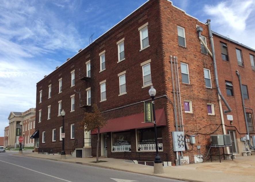 Photo of 104 E Lexington Avenue Independence MO 64050