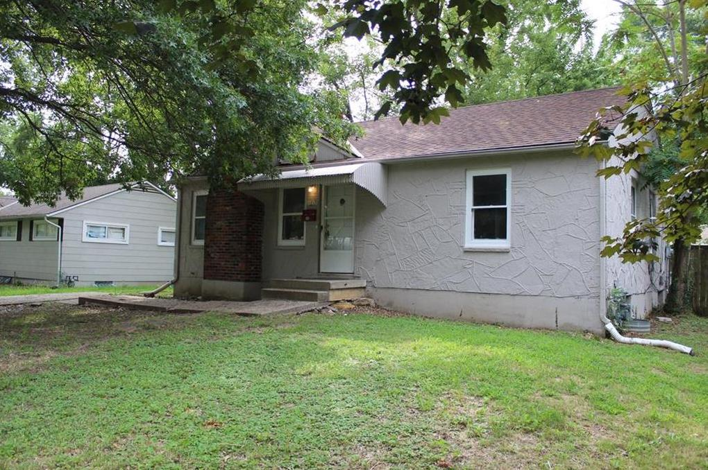 Photo of 11013 Bristol Terrace Kansas City MO 64134