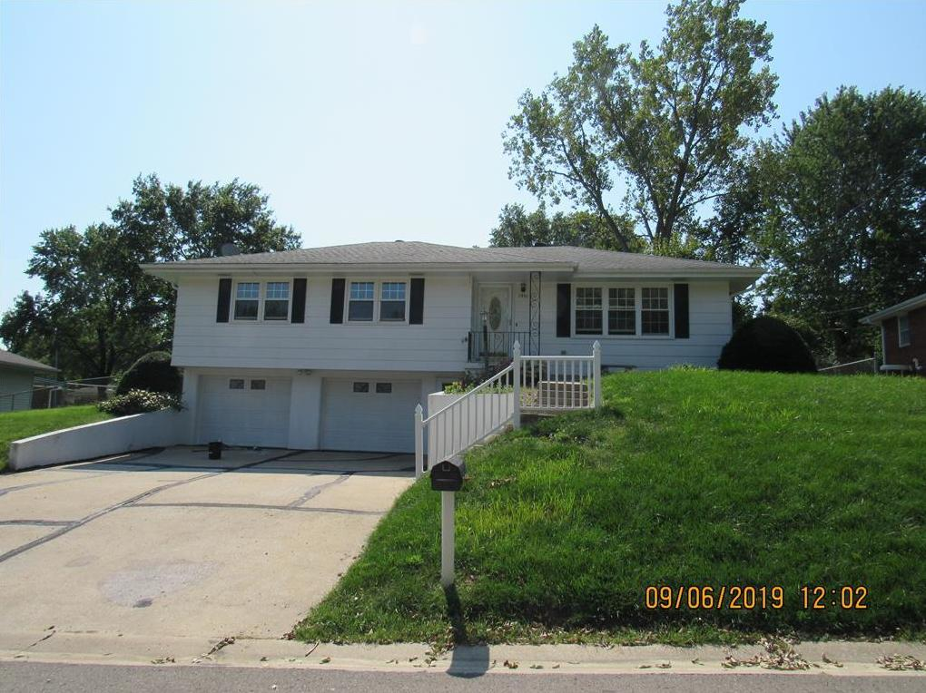 Photo of 1931 Safari Drive St Joseph MO 64506