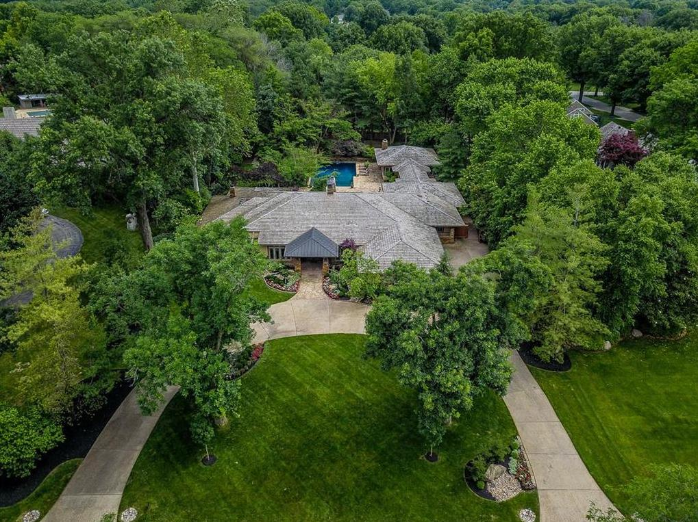 Photo of 8615 Reinhardt Lane Leawood KS 66206
