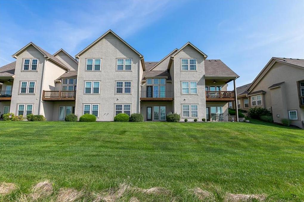 Photo of 2321 NE 107th Terrace Kansas City MO 64155