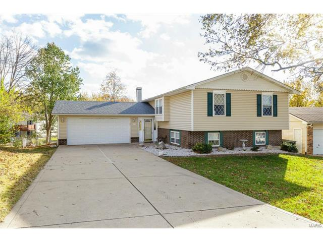 Photo of 10 Elmdale St Peters MO 63376
