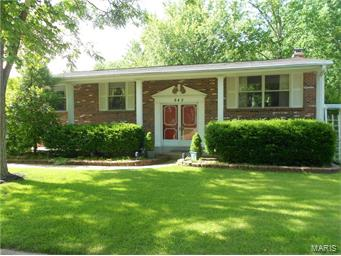 Photo of 942 Brookvale Terr Manchester MO 63021