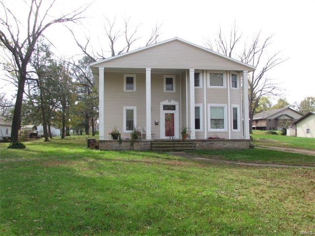 Photo of 904 Ozark Street Houston MO 65483