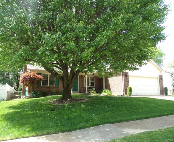 Photo of 910 Peace Haven Drive St Louis, MO 63125