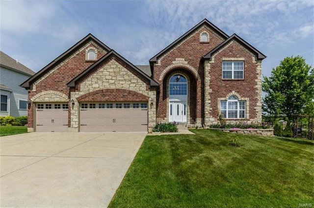 Photo of 1000 Castleview Court St Charles MO 63304