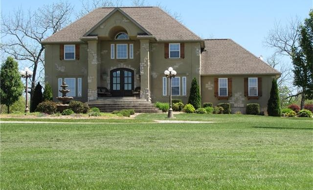 Photo of 7490 Country Club Lane Houston MO 65483