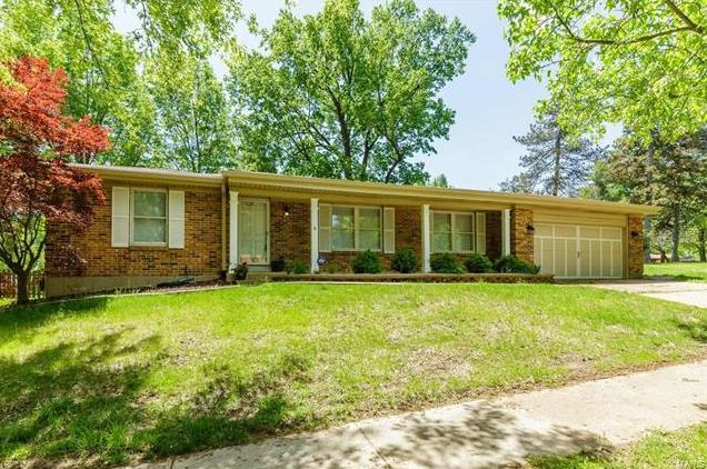 Photo of 9928 Canterleigh St Louis MO 63123
