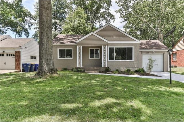 Photo of 1305 Lanvale Drive Webster Groves MO 63119