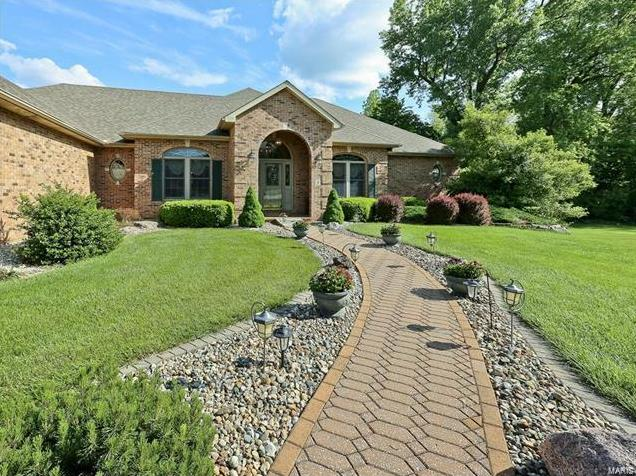 Photo of 8 Equestrian Court Glen Carbon IL 62034
