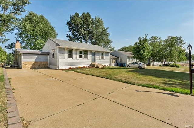 Photo of 10562 Kamping Lane St Louis MO 63123