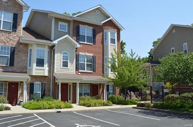 Photo of 2678 McKnight Crossing Court Webster Groves MO 63124