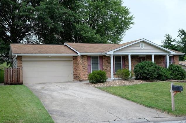 Photo of 12 Oakshire St Peters MO 63376