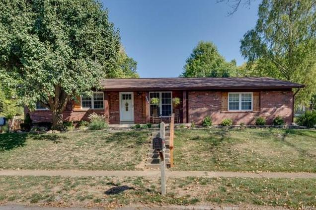Photo of 9966 Chileswood Drive St Louis MO 63126