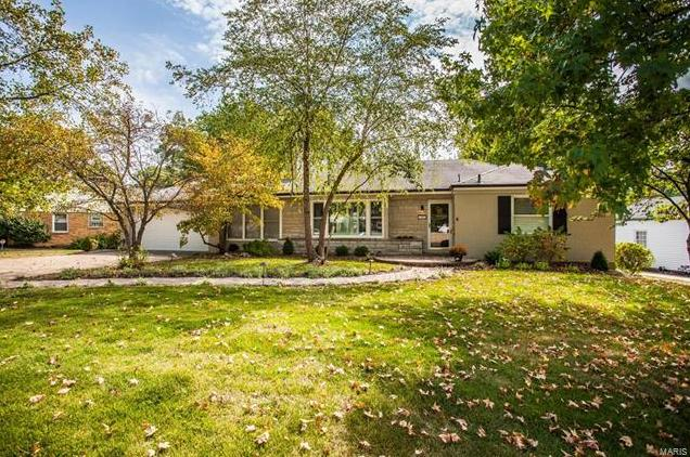 Photo of 1402 Bridle Road Webster Groves MO 63119