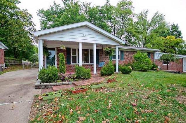 Photo of 909 Prince Charles Way Ellisville MO 63021
