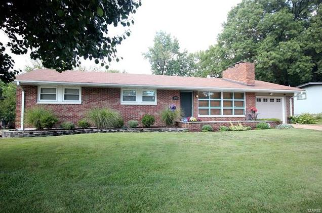 Photo of 8727 Townhill Drive St Louis MO 63126