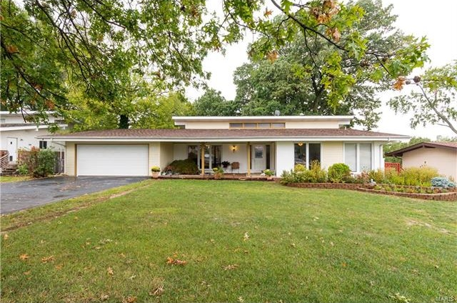 Photo of 137 Meadowlark Drive St Louis MO 63146