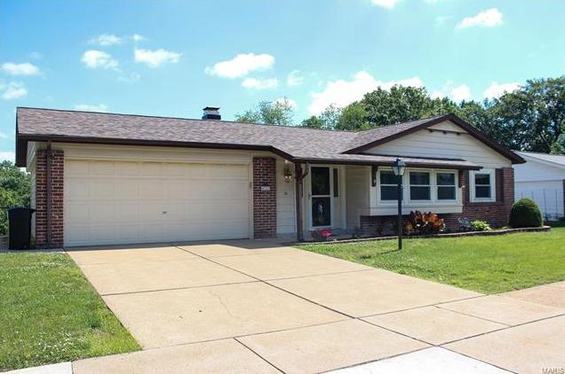 Photo of 4729 Towne Centre Drive Mehlville MO 63128