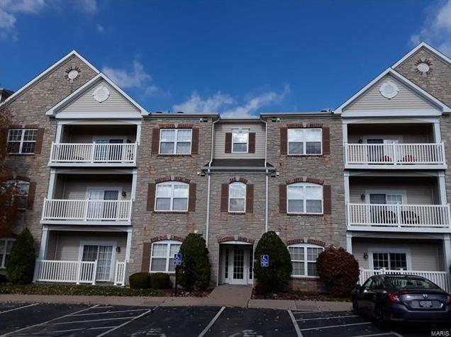 Photo of 5 Monarch Trace Court, 106 Chesterfield MO 63017
