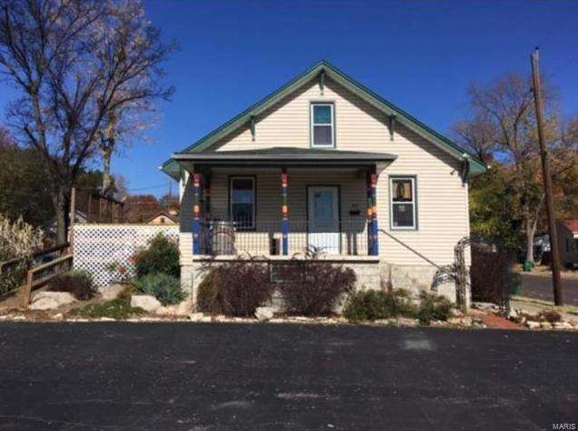 Photo of 233 East Osage Street Pacific MO 63069
