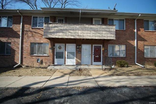 Photo of 10871 Carroll Wood Way St Louis MO 63128