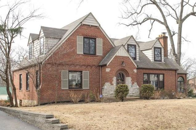 Photo of 104 Webster Woods St Louis MO 63119
