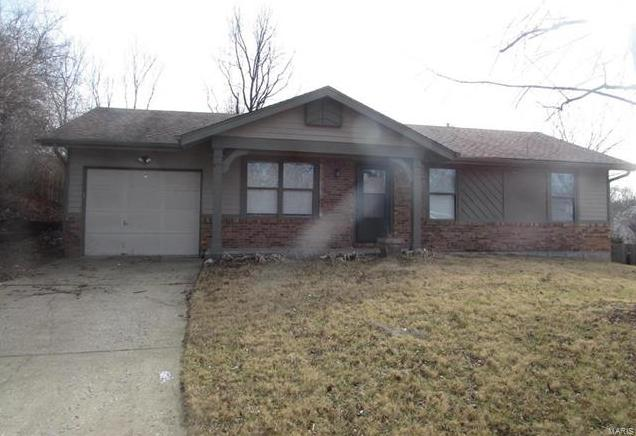 Photo of 10 Victoria Place Court St Charles MO 63304