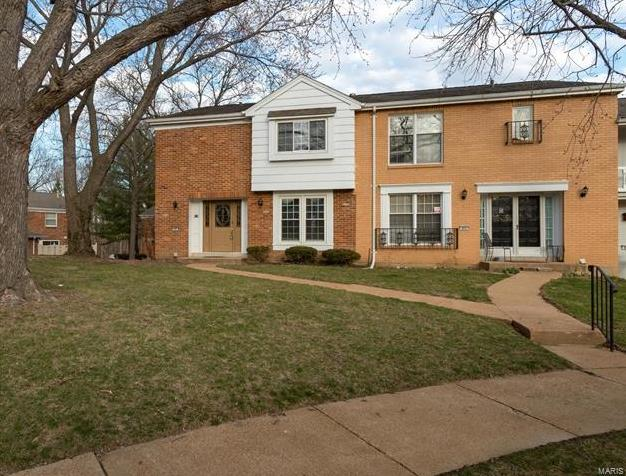 Photo of 876 Judson Manor St Louis MO 63141