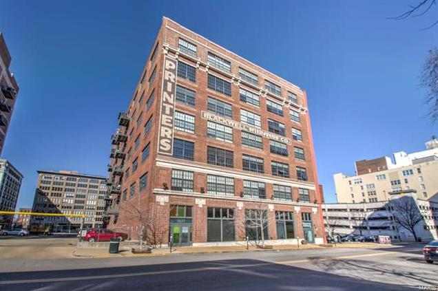 Photo of 1611 Locust Street, 306 St Louis MO 63103