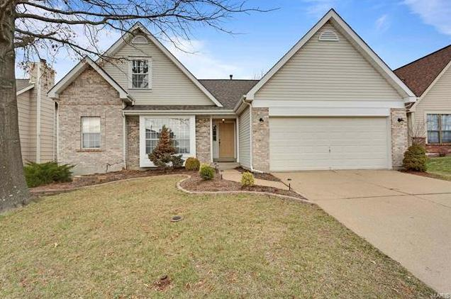 Photo of 2327 Paradise Peak Circle Wildwood MO 63011