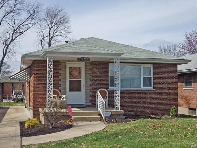Photo of 7105 Whaley Place St Louis MO 63116