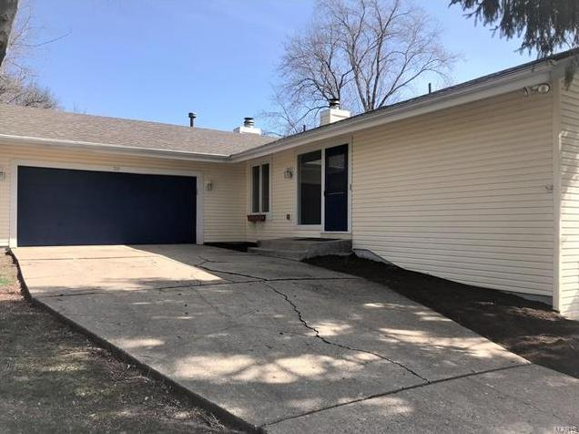 Photo of 20 Lille Court Lake St Louis MO 63367